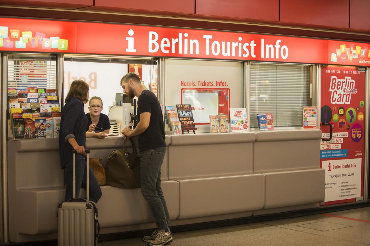mitarbeiter innen f r verkauf beratung alles ber visitberlin berlins offizielle tourismus. Black Bedroom Furniture Sets. Home Design Ideas