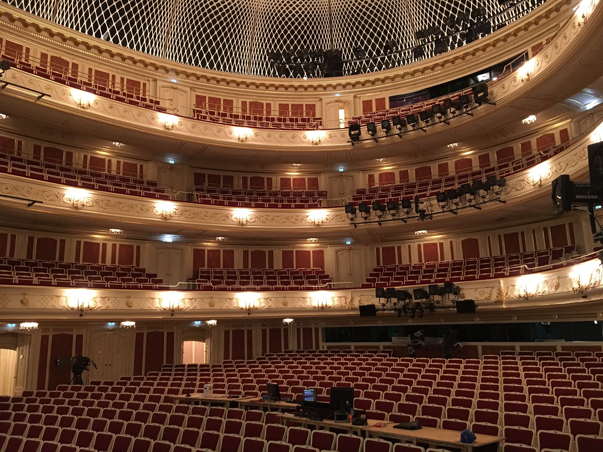 special reopening of the staatsoper all about visitberlin the official marketing company. Black Bedroom Furniture Sets. Home Design Ideas