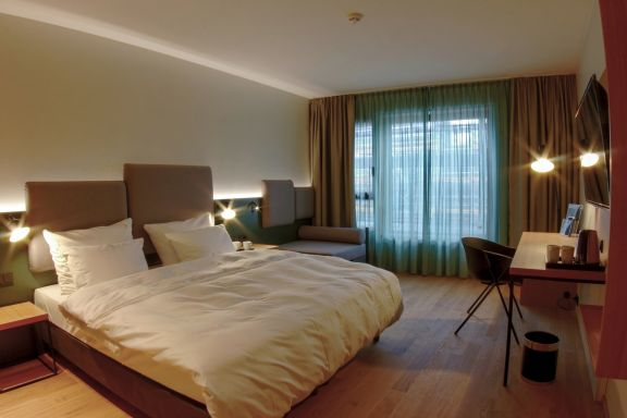 neue hotels in berlin alles ber visitberlin berlins. Black Bedroom Furniture Sets. Home Design Ideas